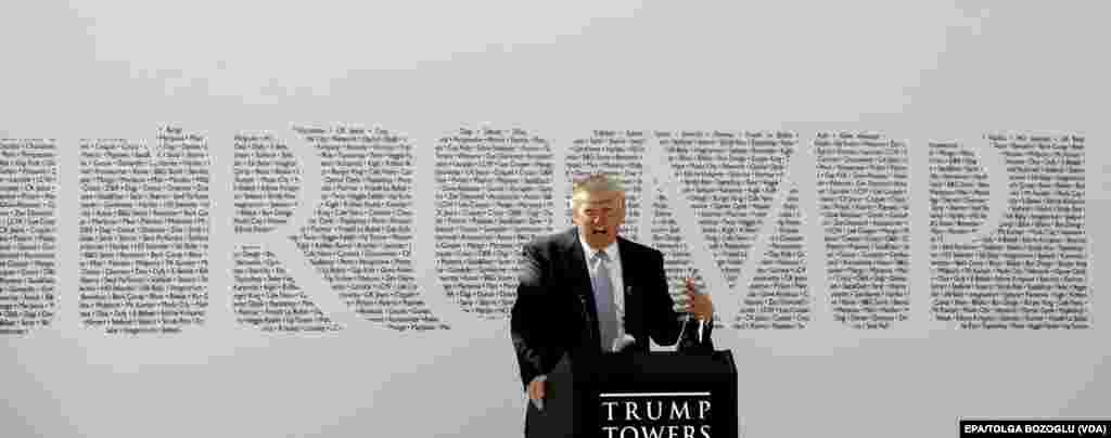 2012'de Trump AVM'nin açılışında konuşan Donald Trump