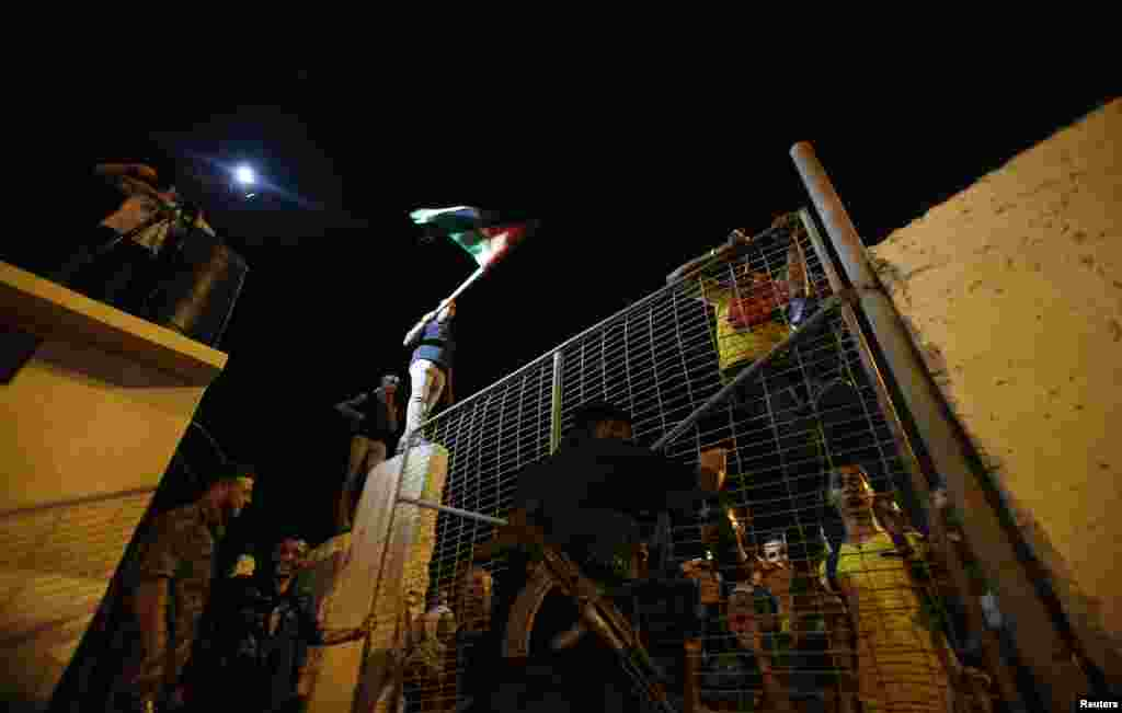 اسرائیل نے فلسطین کے ساتھ امن مذکرات کے دوسرے دور سے قبل اس کے 26 قیدیوں کو رہا کیا۔