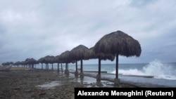 Uragan Ida pogodio je Kubu i izazvao snažne vetrove i visoke talase