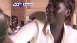 Abanyeshulikazi bo muri kaminuza ya Juba muri Sudani y'Epfo barafata amasomo yo kwitabara.