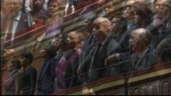 Les élus français chantent la Marseillaise après les attaques de Paris du 13 novembre 2015