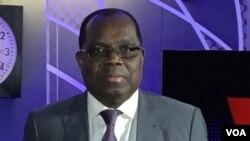 Florentin Mokonda Bonza sénateur de la RDC aux studios de VOA Afrique, à Washinton, le 30 mars 2017.