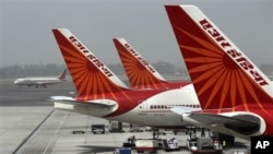 Air India planes at Indira Gandhi International Airport in New Delhi (April 2011 file photo).