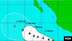 La trayectoria del huracán Adrián es en dirección suroeste con lo cual se irá alejando del continente americano.