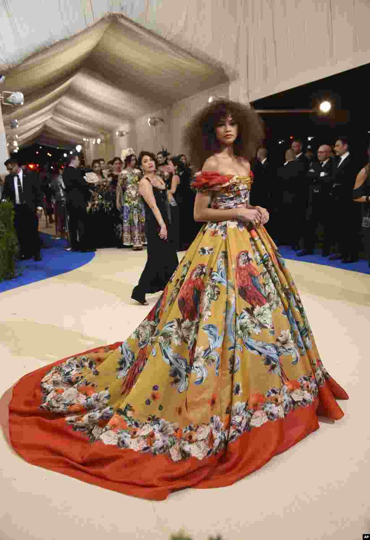 زندایا در مت گالا ۲۰۱۷، مراسم مد و لباس به نفع موزه متروپولیتن در نیویورک