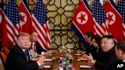 美国总统特朗普和朝鲜领导人金正恩在2019年2月28日在河内举行会谈。