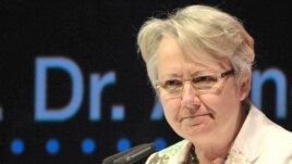 Bộ trưởng Giáo dục Ðức Annette Schavan (AP Photo/dpa, Martin Schutt, File)