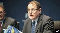 Суспензија за вработени во ФИФА заради корупција