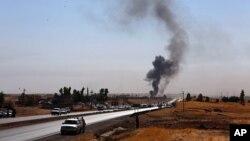 نیروهای دولتی عراق در مسیر ورودی منطقه «آلتون کوپری» در شمال غرب استان کرکوک - ۲۸ مهر ۱۳۹۶