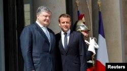 Predsednici Ukrajine i Francuske, Petro Porošenko i Emanuel Makron