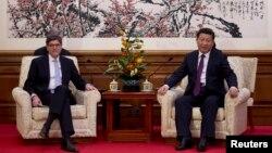 美国财政部长杰克•卢11月15日在钓鱼台国宾馆会见中国国家主席习近平