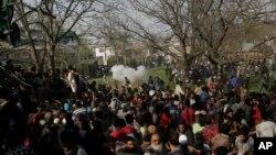 سری نگر میں شہریوں کی ہلاکتوں کے خلاف مظاہرہ، یکم اپریل 2018
