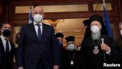 Yunanistan Dışişleri Bakanı Dendias ve Fener Rum Patriği Bartholomeos, İstanbul'daki Yunanistan Başkonsolosluğu'nda bir araya geldi.