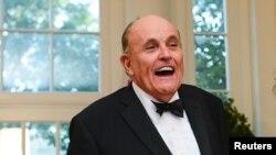"""Rudy Giuliani, abogado personal del presidente de Estados Unidos, Donald Trump, habría promovido pláticas secretas con Nicolás Maduro para generar un cambio """"suave"""" en Venezuela."""