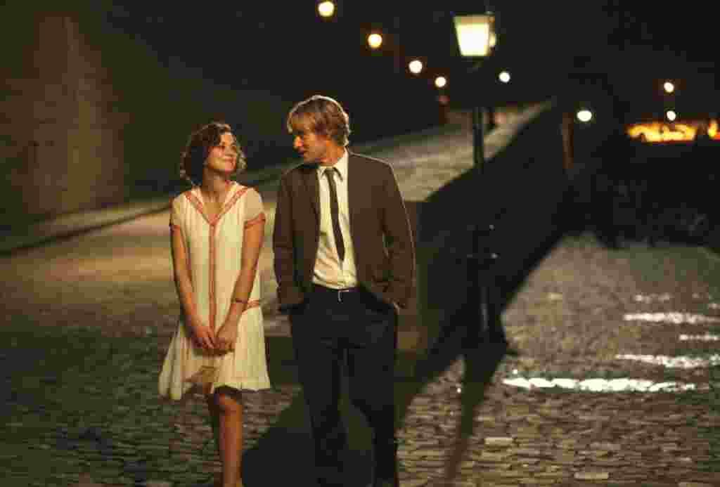 مارلین کوتیارد و اون ویلسون، بازیگران «نیمه شب در پاریس». تازه ترین فیلم وودی آلن برای بهترین فیلم، بهترین فیلمنامه غیراقتباسی و بهترین کارگردانی رقابت می کند.