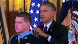 一名阿富汗战争退伍美军获总统颁发荣誉勋章