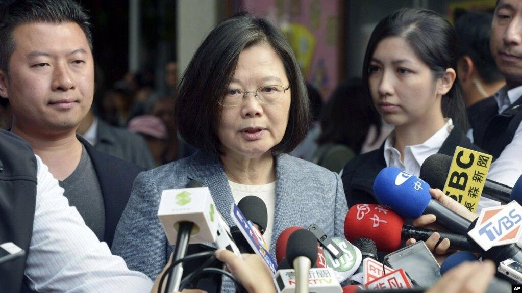 Tổng thống Thái Anh Văn phát biểu trước truyền thông sau khi bỏ phiếu bầu vào ngày 24/11/2018.