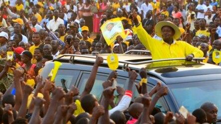Le président sortant de l'Ouganda Yoweri Museveni, candidat à sa propre succession, en campagne électorale à Entebbe, 10 février 2016