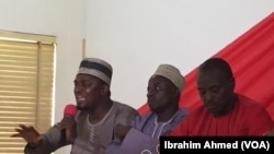Danjuma Bello Sarki (L), a PDP regional youth leader, speaks at a VOA-sponsored town hall, February 20, 2015, along with other activists who convened to discuss how to avoid a repeat of the devastating 2011 election riots.