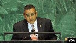 Funes razonó en su discurso que la pobreza promueve la migración mientras que el consumo de drogas le da vida al narcotráfico.