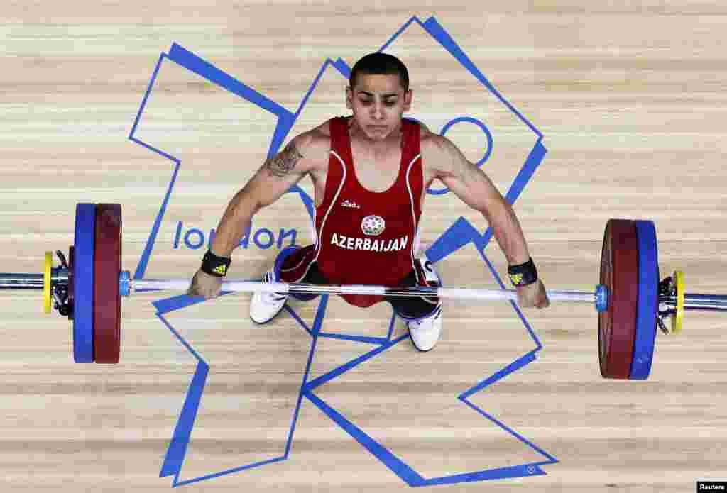 Valentin Xristov Ağırlıqqaldırma yarışlarında 56 kq-da Olimpiya üçüncüsü olaraq Azərbaycana ilk medal (bürünc) qazandırır.
