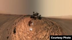 "Rover ""Kjuriositi"" na Marsu"