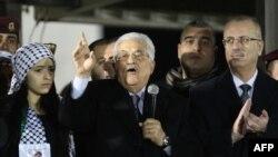 صدر عباس نے کہا ہے کہ دنیا انہیں بتانے سے قاصر ہے کہ وہ انصاف کے حصول کے لیے کس کا در کھٹکھٹائیں؟