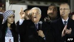 ښاغلي عباس د چهارشنبې په ورځ د دغې محکمې د پېژندلو موافقه لاسلیک کړه.