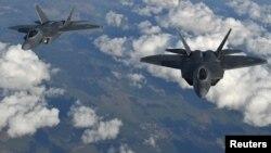 미 공군의 최신예 스텔스 전투기인 F-22 랩터.