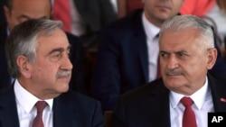 Kıbrıs Türk Cumhuriyeti Cumhurbaşkanı Mustafa Akıncı ve Başbakan Binali Yıldırım