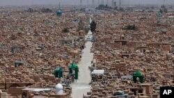 نمايی از گورستان وادی السلام در نجف