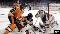 New York Rangers выиграли «Зимнюю классику-2012»