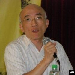 香港科技大學社會科學部副教授成名