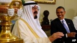 El presidente Barack Obama recibió en 2010 al rey Abdullah en la Casa Blanca.