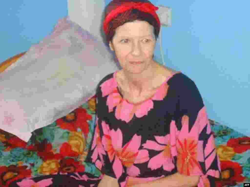 Judith Tebbutt, oo ku jirta guri ku yaalla Cadaado ka hor intaysan u ambabixin Nairobi, March 21, 2012.