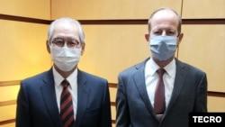 台湾驻美代表高硕泰(左)卸任前向美国国务院亚太助卿辞行(台湾驻美代表处推特)