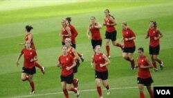 Tim sepakbola puteri Amerika dalam Piala Dunia di Jerman lalu (foto: dok).