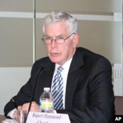 美国国家战争学院教授伯纳德•柯尔
