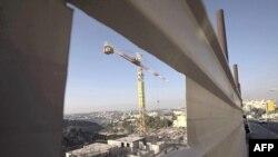 Batı Şeria'da bir İsrail yerleşim birimi inşaatı