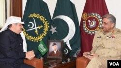 دیدار سفیر عربستان سعودی در اسلام آباد با فرمانده ارتش پاکستان - آرشیو