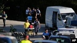 Des policiers et les secours déployés après un attentat à Subirats, Espagne, 21 août 2017.