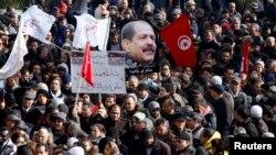 Hàng chục ngàn người Tunisia xuống đường dự tang lễ nhà lãnh đạo đối lập bị ám sát Chokri Belaid.
