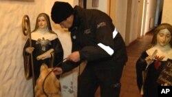 Las religiosas pertenecen al monasterio de las Monjas Orantes y Penitentes Nuestra Señora del Rosario de Fátima.