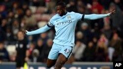 Yaya Touré lors d'un match de Premier League contre Sunderland, Angleterre, le 3 décembre 2014