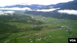 花莲罗东有机村的稻田全景 (美国之音木风拍摄)
