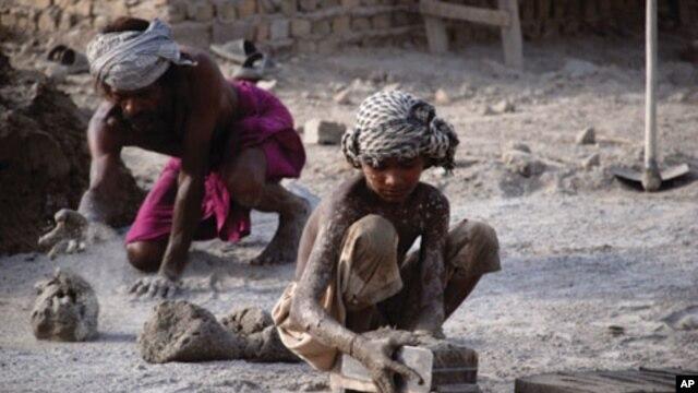 รายงาน ILO ชี้เด็กจำนวนมากทั่วโลกเผชิญกับงานเสี่ยงอันตรายซึ่งส่งผลต่อสุขภาพและพัฒนาการทางสมอง