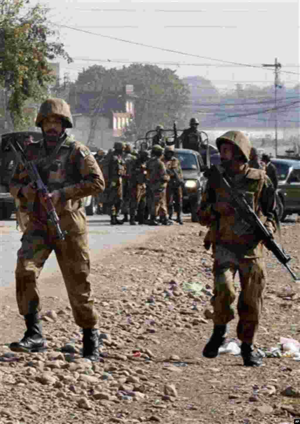 탈레반 무장 세력을 소탕하기 위해 파견된 파키스탄 군