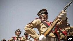 Diễu hành kỷ niệm 22 độc lập tại Sanaa, ngày 22 tháng 5, 2012.