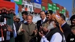 وزیر اعظم نواز شریف گوادر سے بین الاقوامی تجارت کا افتتاحی تقریب میں۔ 13 نومبر 2016