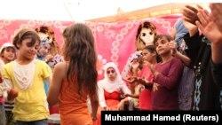 تصویری از مراسم ازدواج یک دختر پناهجوی ۲۰ ساله در یکی از اردوگاه های آوارگان سوری در اردن